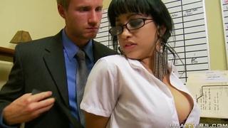 Suckretary likes the hot desires of her boss