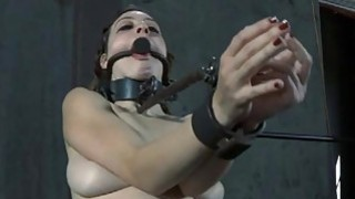 Masked beauty with exposed cunt acquires flogging