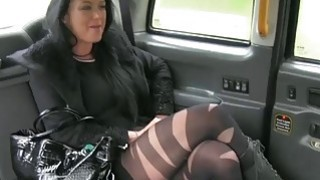 Local escort gets ripped by fraud driver in the backseat