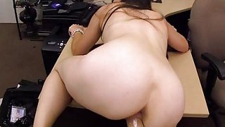 Fine amateur with a body is feeling some dick