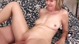 Mature woman Jamie Foster takes big dick