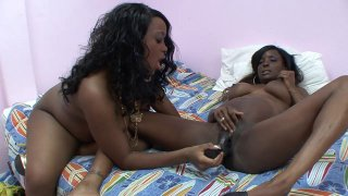 Two pregnant ebony sluts cum all over big black dildos